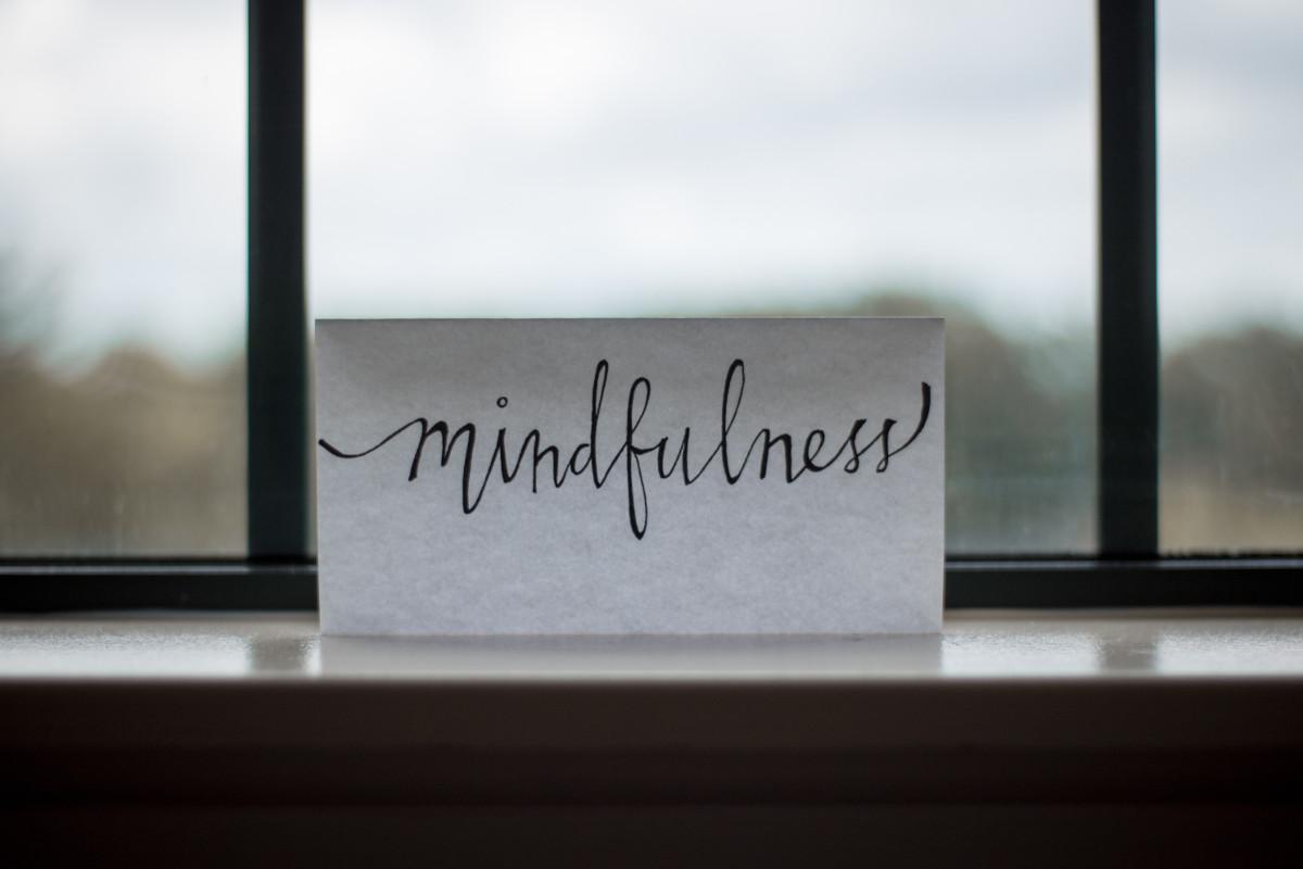 Perché in tanti parlano di Mindfulness? L'importanza del QUI e ORA in un mondo digital, a velocità esponenziale
